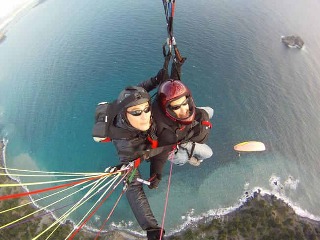 http://soaring13.free.fr/biplace_gopro1.jpg