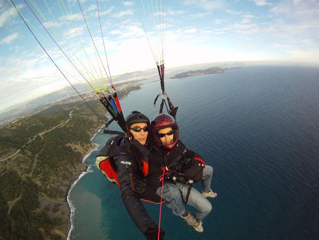 http://soaring13.free.fr/biplace_gopro2.jpg